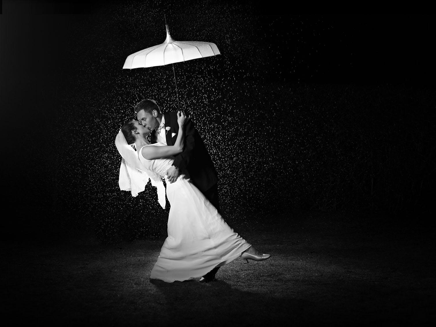 Lowkey, bryllups billeder i regnvejr, sort/hvid