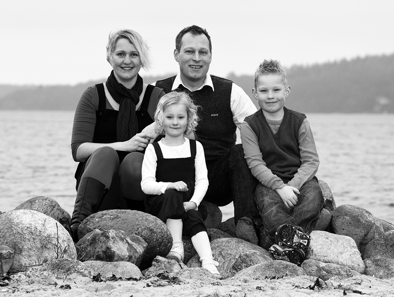 Familie og gruppe billeder, sort/hvid udendøres familie billeder, sølvbryllupsgave, fødselsdagsgave, Søskendebilleder